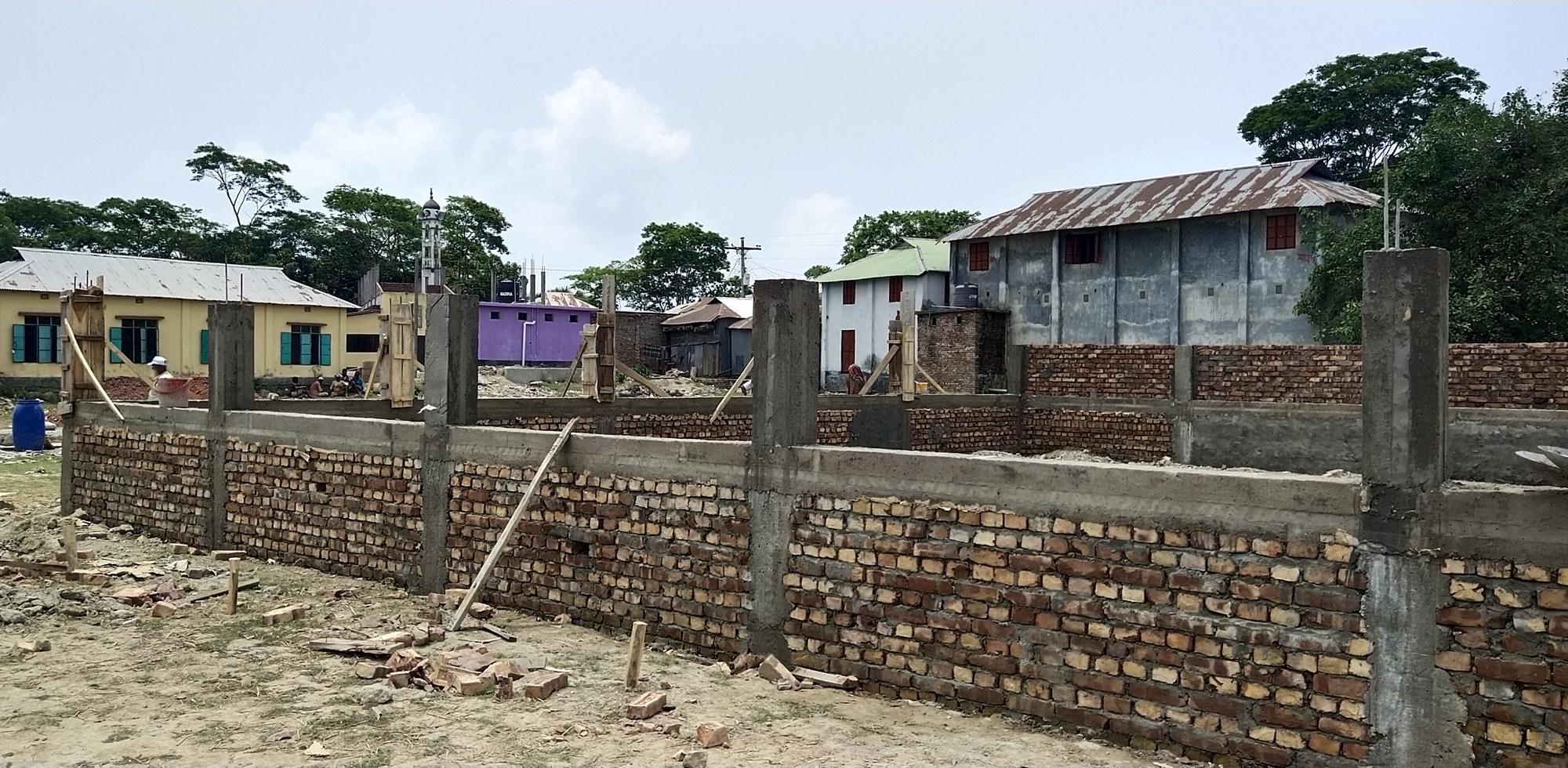 কুয়াকাটার ধুলাসার ইউপি চেয়ারম্যান : মসজিদের টাকায় পারিবারিক কবরস্থান নির্মাণ