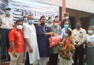 জাতিরজনক'র শাহাদৎ বার্ষিকীতে দিনাজপুরে খাদ্য সহায়তা