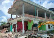 তালতলীতে ১২৩ অবৈধ স্থাপনা গুড়িয়ে দিয়েছে প্রশাসন