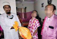 চাঁদপাশায় ৫০ হিন্দু পরিবারের মাঝে সমাজ সেবক রফিকুল ইসলামের খাদ্য সহায়তা প্রদান